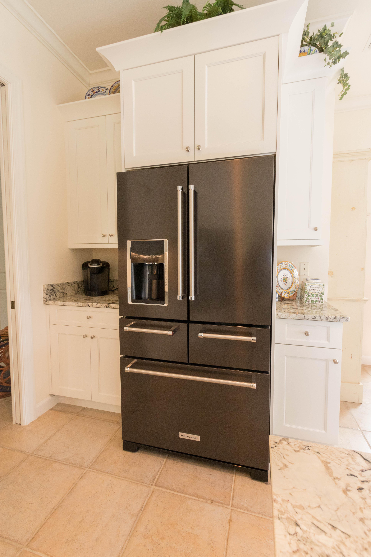 Olde Cottage Lane Cabinet Genies Kitchen And Bathroom
