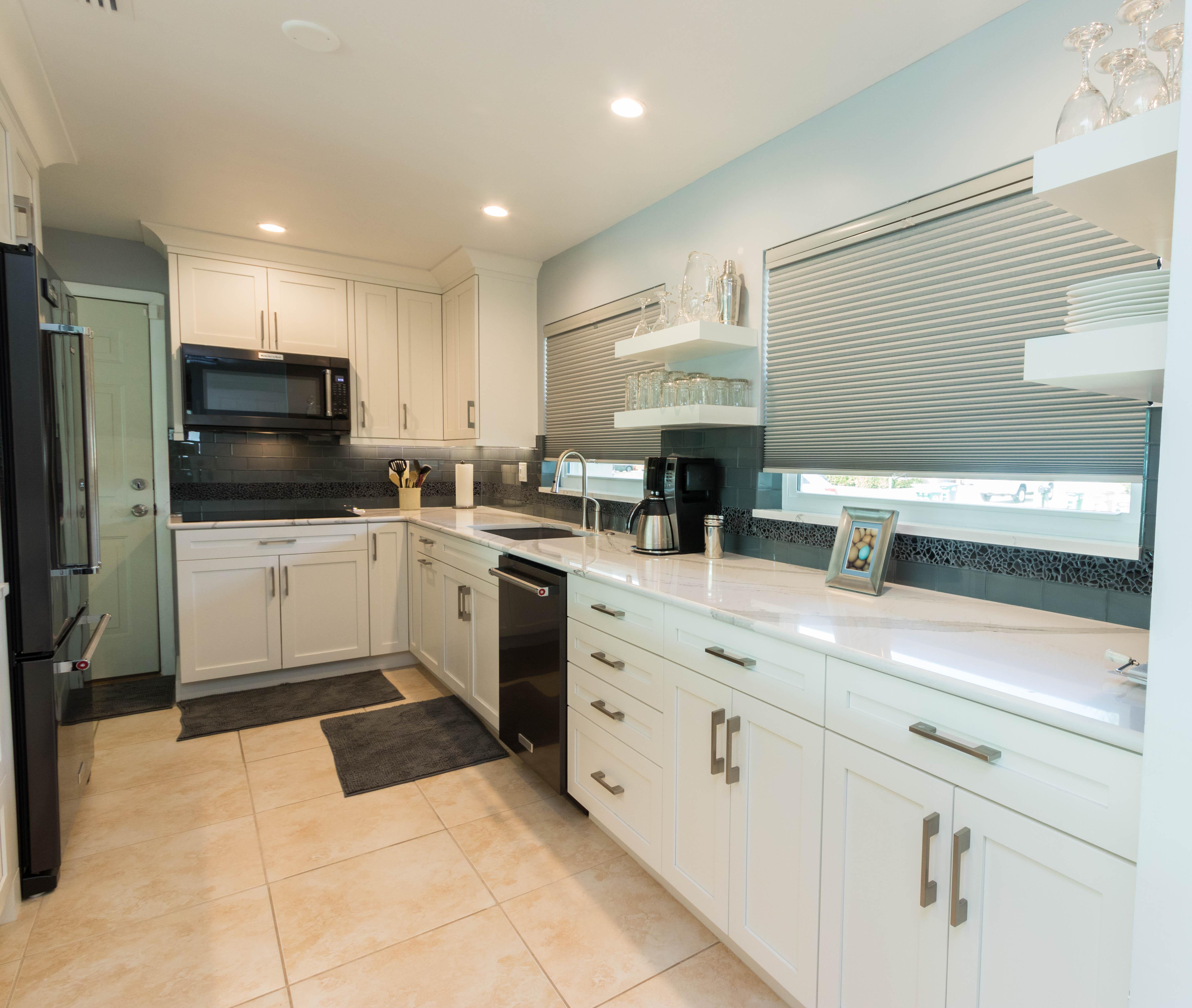Winter White Kitchen Cabinet Genies Kitchen And