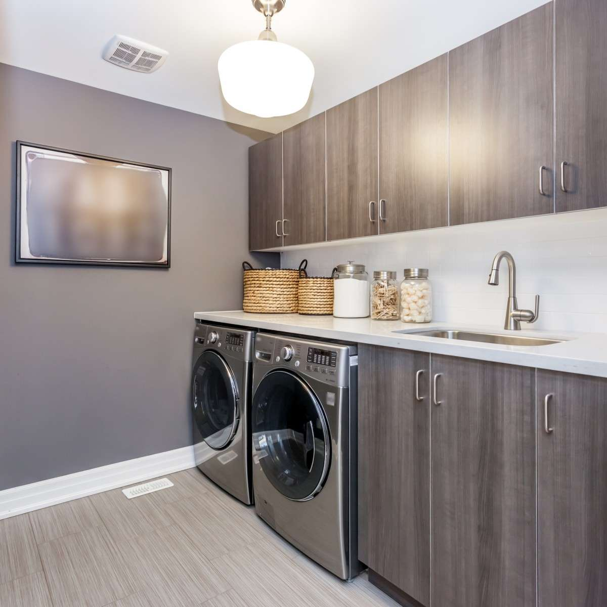Managing Small Laundry Area With 7 Easy Steps