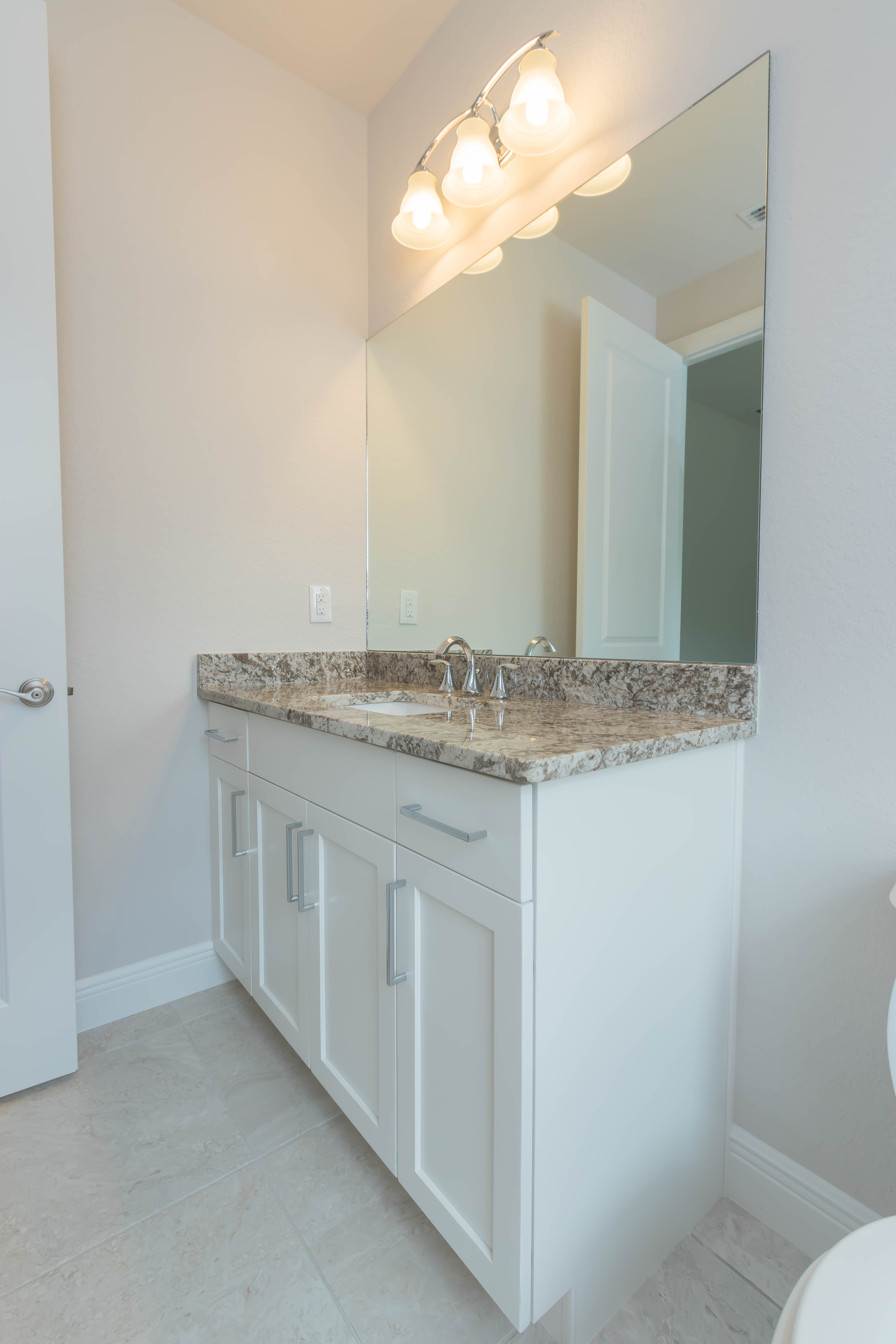 Serrano Cabinet Genies Kitchen And Bathroom Remodeling