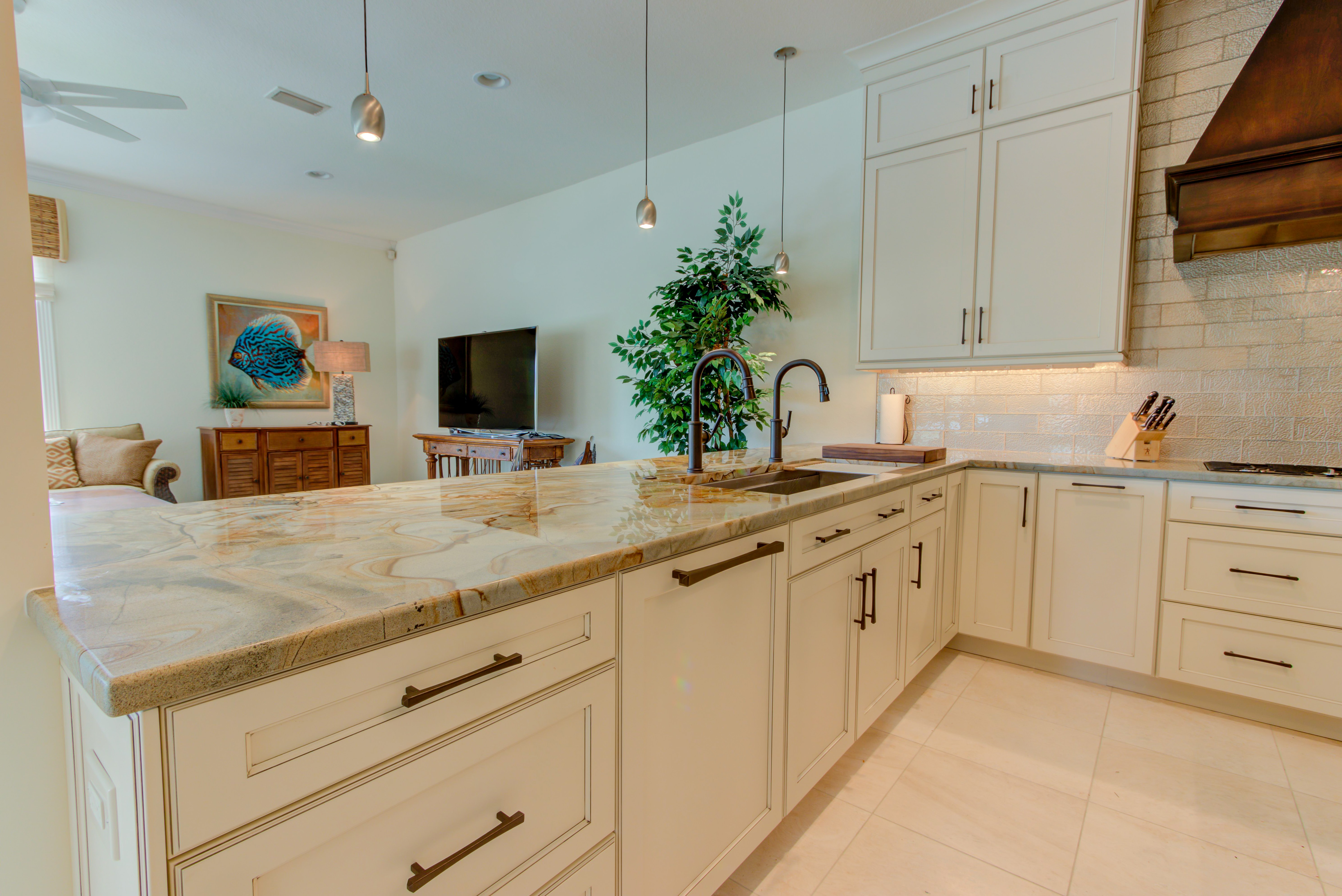 Tommy Bahama Kitchen - Cabinet Genies - Kitchen and ...