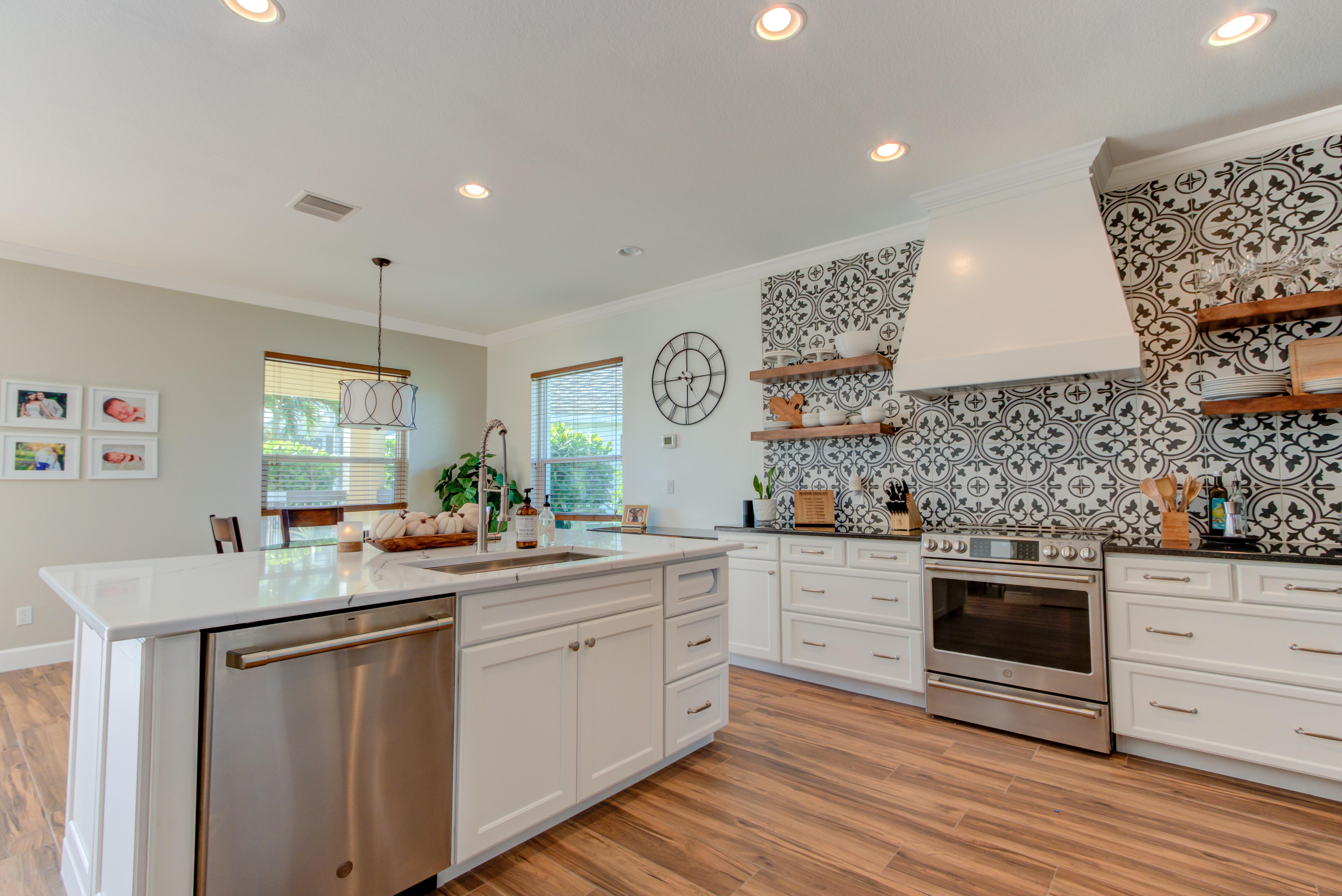 Surfside Kitchen Cabinet Genies Kitchen And Bathroom